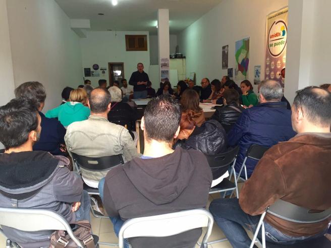 foto reunion coordinacion grupo insular podemos cabildo tenerife y unidos se puede la laguna (2016)