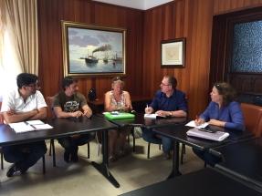 reunion podemos cabildo tenerife y representantes en defensa playa la tejita y contra vertidos residuales en el medano (junio 2016)