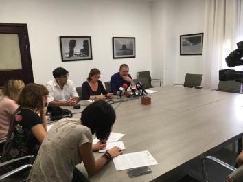 rueda de prensa grupo insular podemos tenerife en cabildo, octubre 2017, con fernando sabate, paqui rivero y julio concepcion
